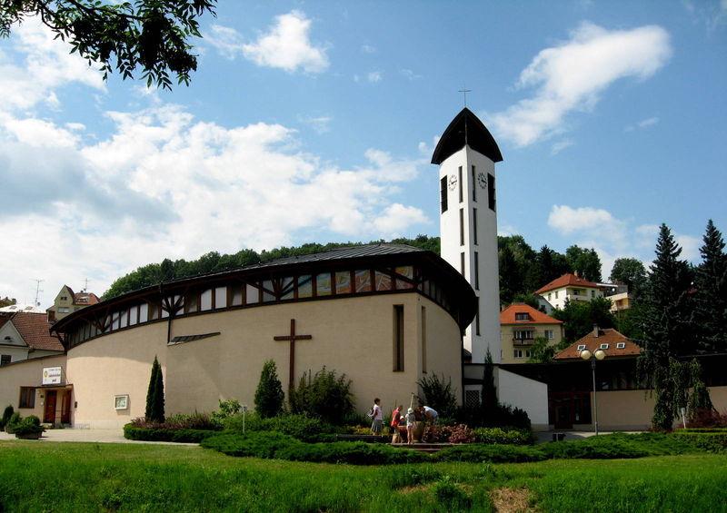 kostel luhačovice
